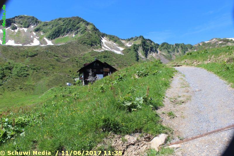http://bergwandern.schuwi-media.de/galerie/cache/vs_Schwarzwasser%20Huette1_swasserhutte_15.jpg